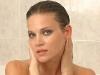 Andrea Verešová nahá ve vaně