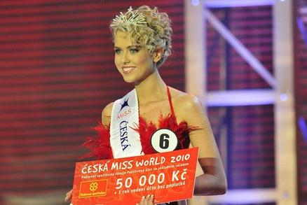 Česká Miss World Veronika Machová nahá a její sexy nahé fotky: